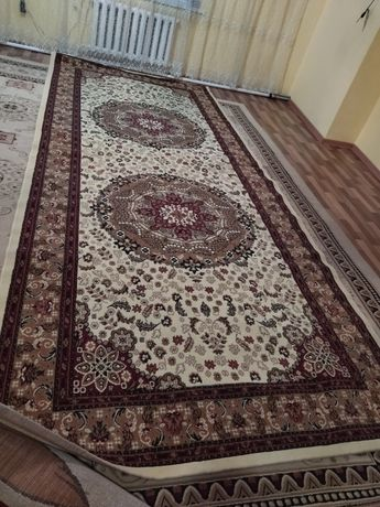 Продам ковёр размеры 2*5