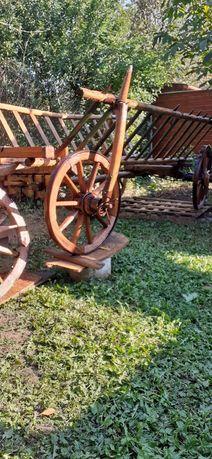 Car rustic de lemn