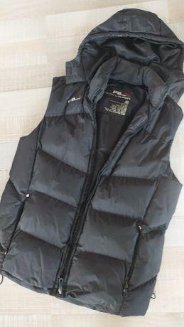 Безрукавка мужская размер L,состояние хорошее,носили салт,черного цвет