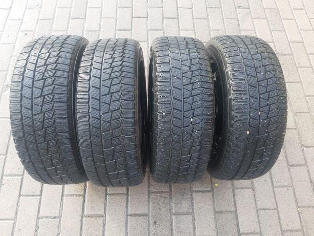 Продам комплект зимних шины с дисками
