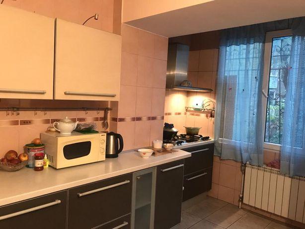Продам 3-х комнатную квартиру в Алматы. Алмалинский район