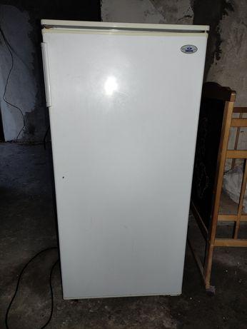Холодильник Атлант продам
