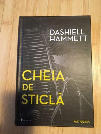 roman cheia de sticla de Dashiell Hammett