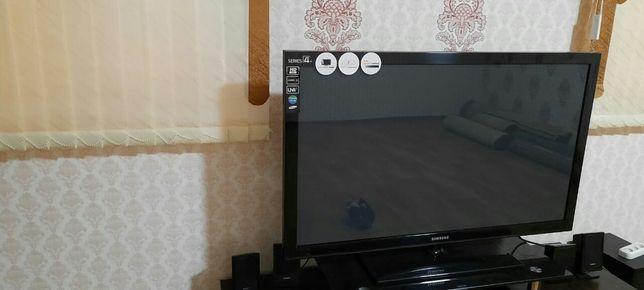 Телевизор Самсунг хорошом состояние