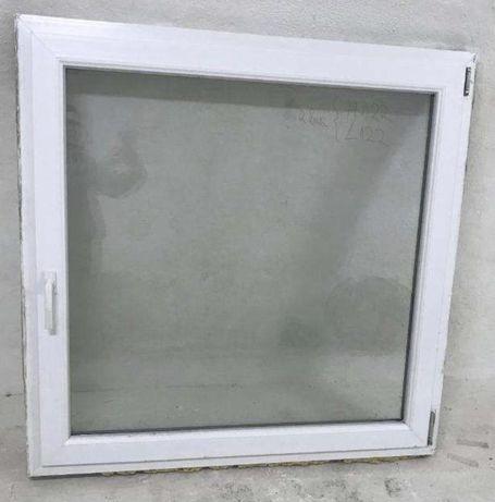 Fereasta casa firma PVC geam termopan H 122 x L 96. Buc 4