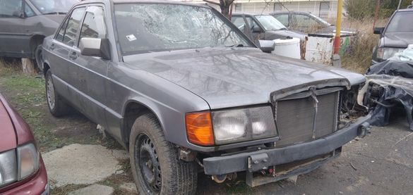 ∆ На Части ∆ Мерцедес в201 190 2.6 ръчка Mercedes W201 190 2.6