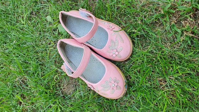 Обувь на девочек