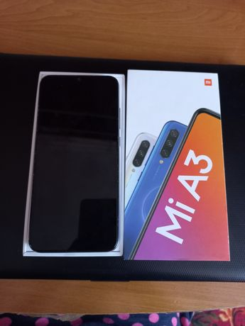 Смартфон Xiaomi Mi A3 White 4/64 GB 2019г