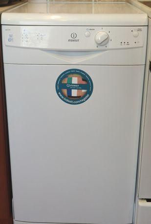 Продам посудомоечную машину indesit