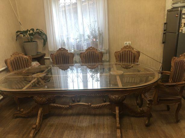 Продам в столовую стол деревянный ручная работа