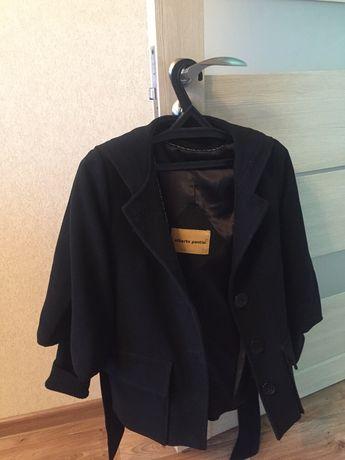 Продам натуральное кашемировое пальто с капюшоном.