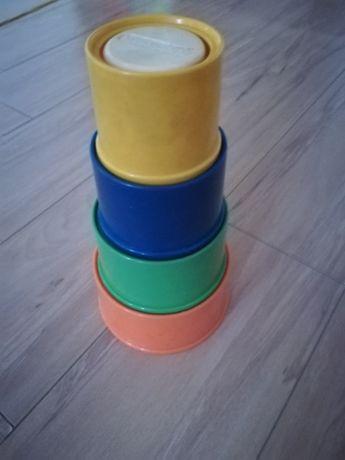 Vând cuburi suprapuse