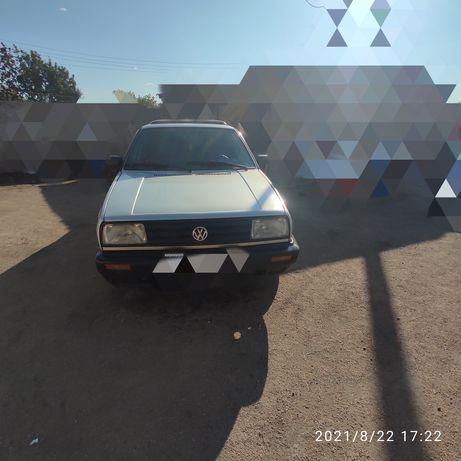 Продам Volkswagen Jetta.