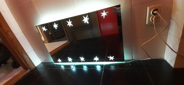 Зеркало в ванную комнату.С подсветкой.