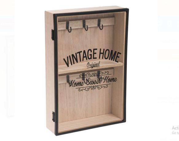 Кутия за ключове със стъклена вратичка