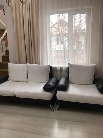 Диван в гостиную с креслом