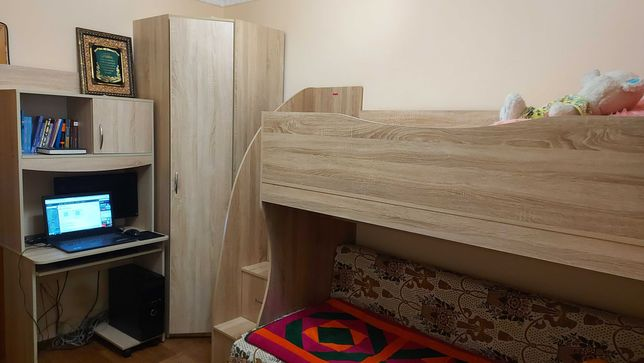 Комплект мебели Угловой шкаф,комп.стол, кровать 2х ярусная