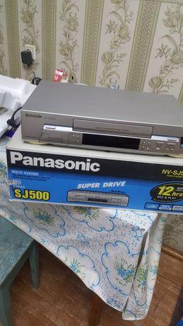 Видеомагнитофон Panasonic NV-SJ500