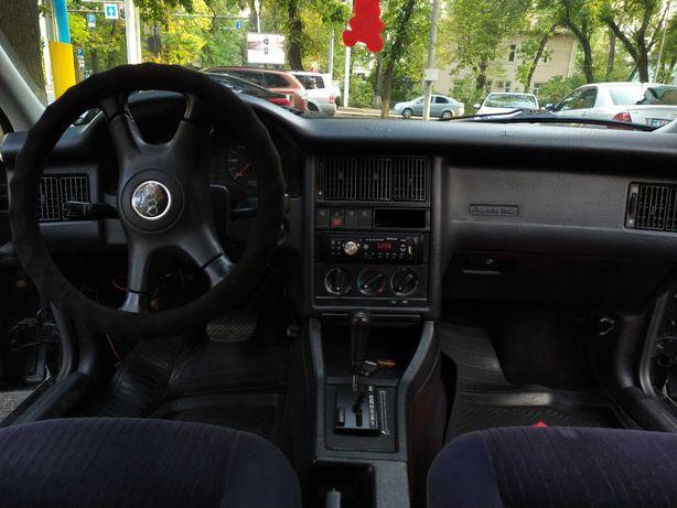 Продам Audi 80 B4
