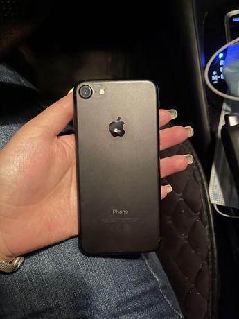 Iphone 7 32гб в отличном состоянии