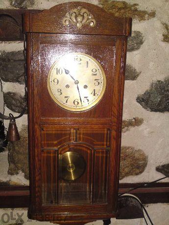 Продава се Старинен Часовник Gustav Becker