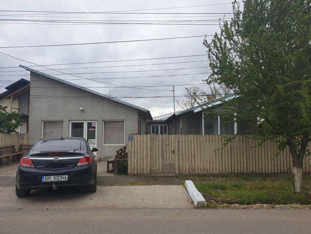 Casa cu spatiu comercial Cazasu