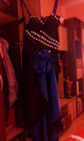 Vand rochii de ocazie si una de mireasa purtate doar o data
