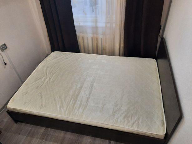 Продам кровать вместе с матрасом