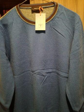 Чисто нов пуловер Толи М