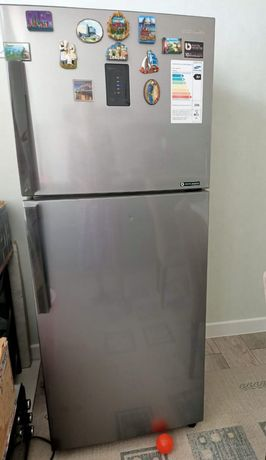 Холодильник продается