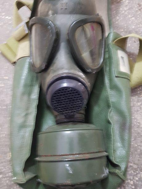 Masca de gaz model 1973