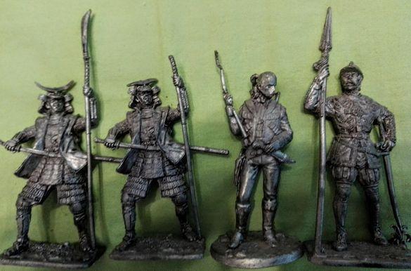 Разпродажба колекция метални фигури ,войници