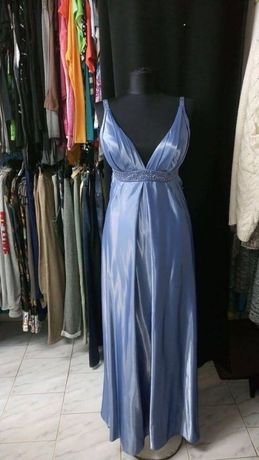 Дизайнерска рокля. Обличана веднъж