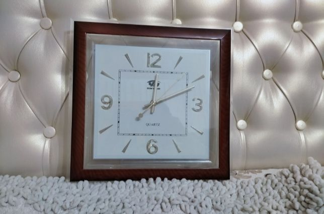 Срочно!!! Продам настенные часы
