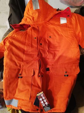 Продам зимний огнеупорный куртка и комбинезон, ботинки