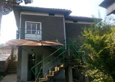 Къща с дворно място с. Остров - image 1