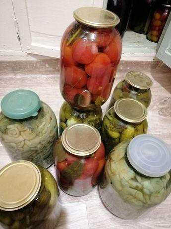 Продам соленья.,огурцы,помидоры, грибы