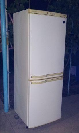 Холодильник 2 х камерный