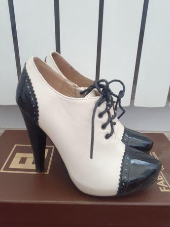 Очень хорошие и модные женские обувь