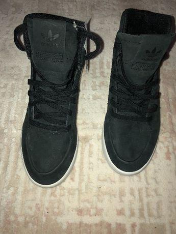adidas-спортни обувки