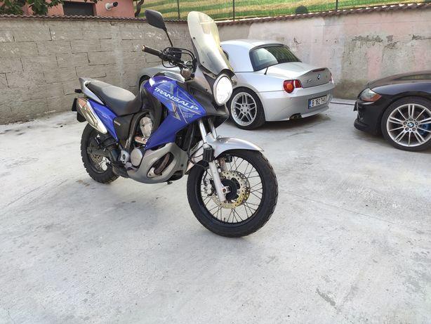 Honda Transalp 700