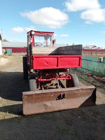 Продам трактор Т-16 с лопатой, косилкой, граблями, циркулярной пилой