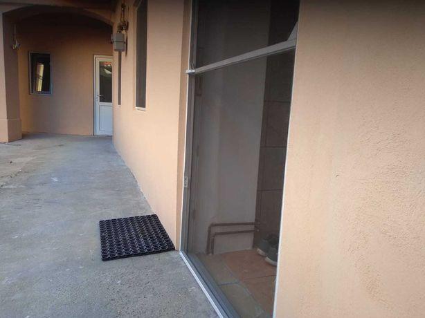 Vand apartament o camera la casa - zona Piata Mare