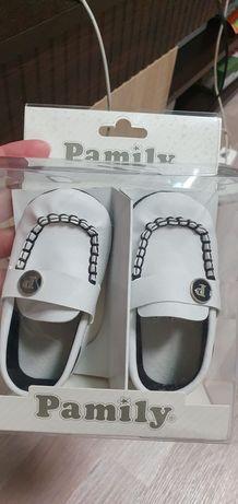 Продам обувь для новорождённого за 1500тг новую!