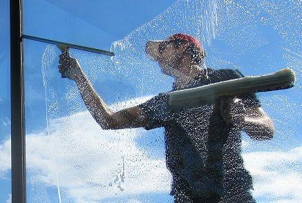 Професионално Почистване от СУПЕРНОВА 18 - витрини,магазини,лимузини