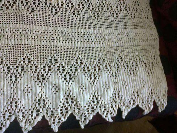 Оригинална ръчно плетена на една кука покривка за спалня