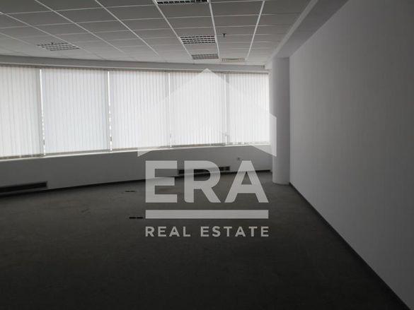 Офис клас А под наем в голям търговски център, Трошево, Варна