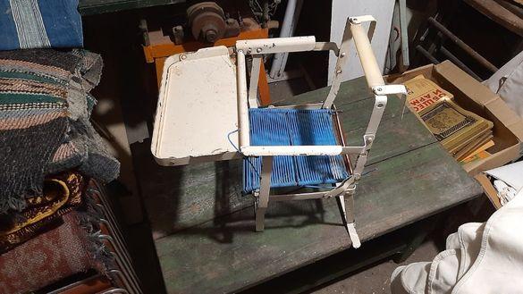 Ретро сгъваемо метално детско столче за хранене