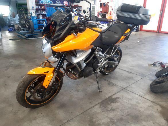 Мотоциклет Кавазаки версус 650(Kawasaki versus)-на части