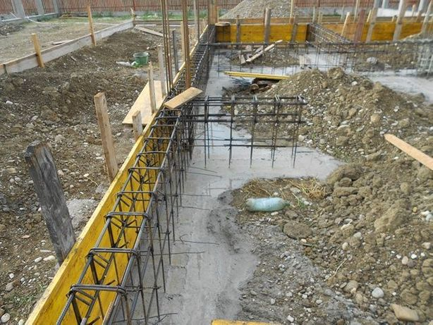 Miniexcavator,popi,panouri,schela,vibrator,mai compactor,betoniere